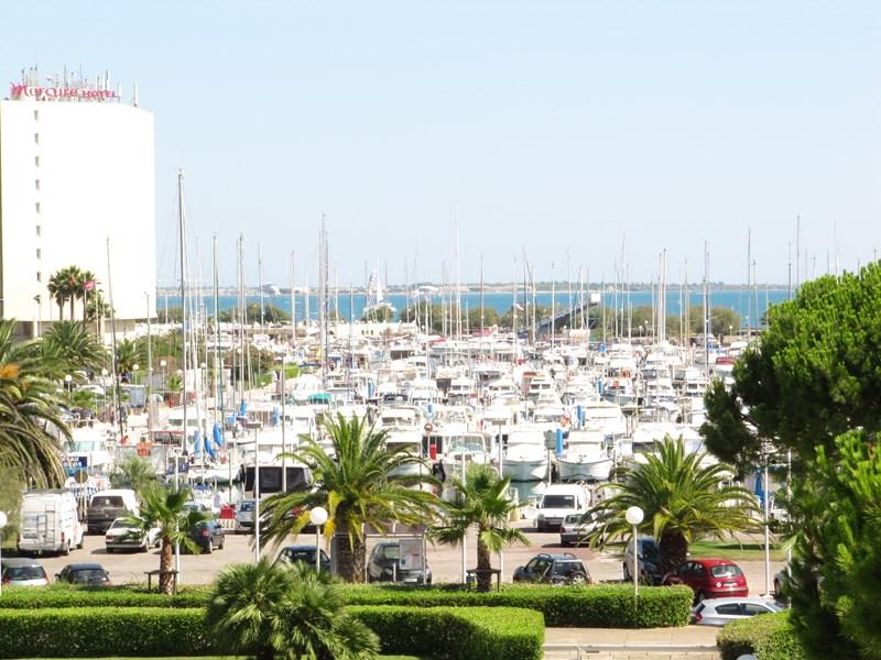 Spacieux studio, jolie vue port, proche plage et c