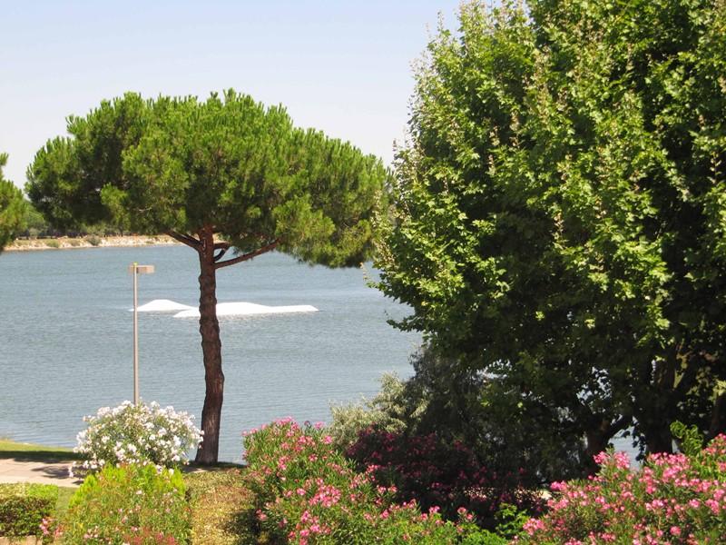 Studio double cabine, jolie vue lac du ponant avec