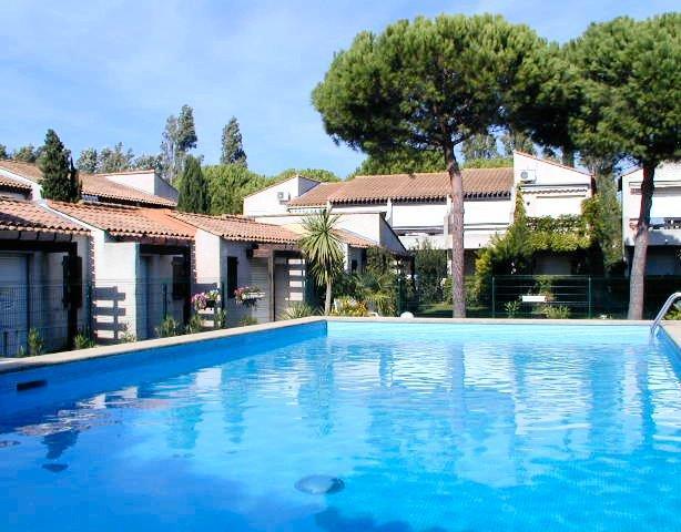 Maisonnette P2, dans résidence avec piscine, pk pr