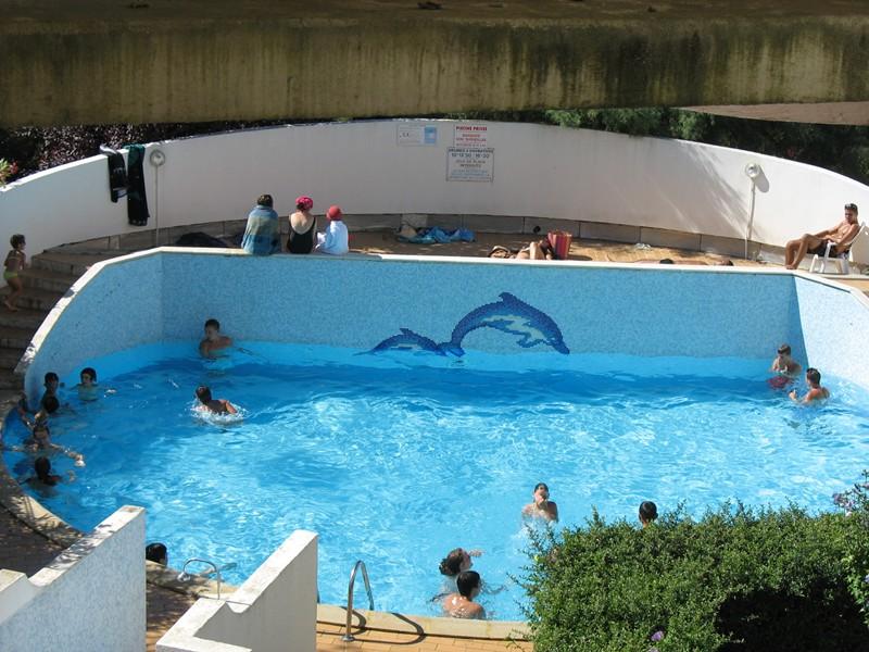 P2 cabine dans résidence avec piscine proche plage