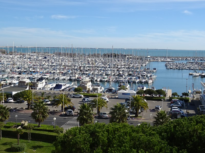 Spacieux studio très belle vue port et mer !